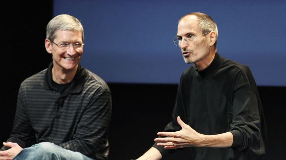 3043628-poster-p-1-tim-cook-tried-to-offer-steve-jobs-a-portion-of-his-liver.jpg